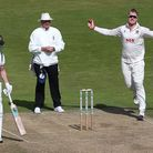 Simon Harmer in bowling action for Essex on their way to the County Championship title in 2019 (pic