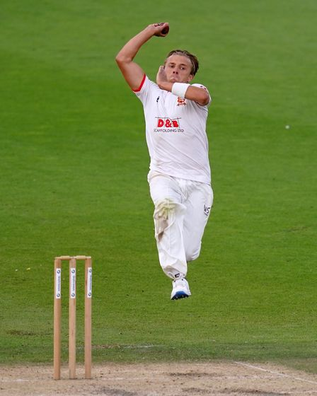 Essex's Aaron Beard bowls during day three of the Bob Willis Trophy match at 1st Central County Grou