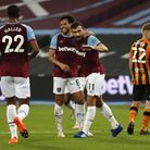 West Ham United's Robert Snodgrass (right) celebrates scoring his side's first goal of the game duri