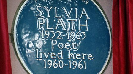 The blue plaque in memory of Sylvia Plath in Chalcot Square, Primrose Hill, was unveiled in 2000. Pi