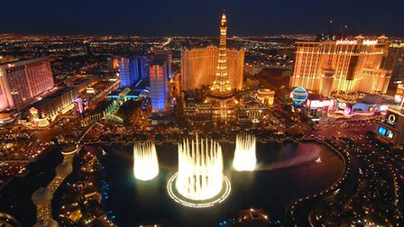 Bellagio Fountains and Strip at night