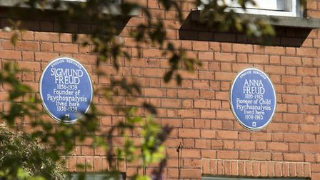 Plaques in memory of Sigmund Freud and his daughter Anna