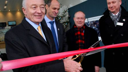 Ken Livingstone cuts the ribbon to open the new West Hampstead Thameslink Station when it opened in