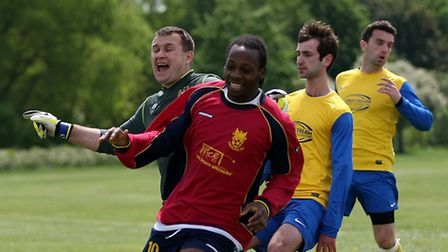 Valen McKay scored a double for Phoenix against Niva-Unistream in the Premier Division of the Hackne