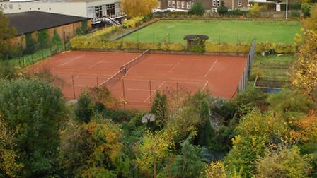 Councillors will vote on whether plans to turn a bowling club in Highgate into a leisure centre and