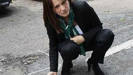 Lynne Featherstone's survey has found that residents are unhappy with the condition of roads in Hari