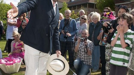 Jonathan Ross judges the Horticultural Society fancy dress competition with a little help from pet d