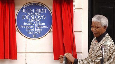 Nelson Mandela unveiled the blue plaque at 13 Lime Street, Camden Town, where Joe Slovo and his wife