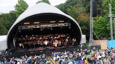 Crowds enjoy the final picnic concert of the year at Kenwood House. Picture: Dieter Perry.