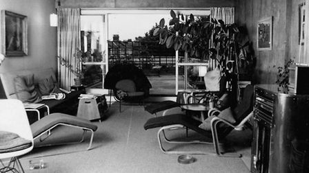 in the isokon building in lawn road 8 - Completion. By Sidney Newbery, copyright Architect and Buil