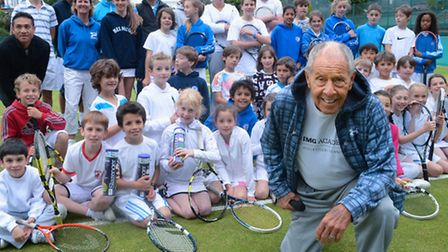 Members of Cumberland Tennis Club gained useful tips from legendary tennis coach Nick Bolletieri (fr