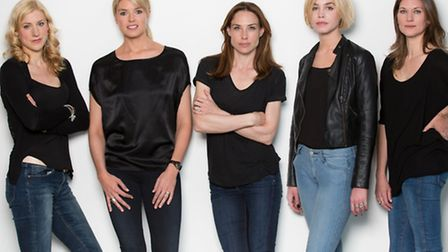 Charlotte Parry (Gemma) Isabella Calthorpe (India) Claire Forlani (Willow) Alice Sanders (Mouse) Pat