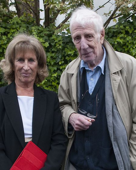 Sir Peter Medawar's daughter Louise Stevenson with theatre director Sir Jonathan Miller at the plaqu