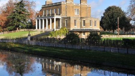 Exterior photography of Clissold House