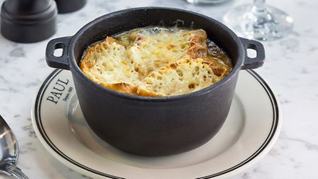 Rich and cheesy onion soup