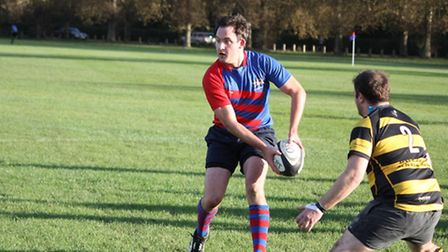 Old Streetonians fly-half Tom Winter goes on the attack (Picture: Lynn and Richard Hay)