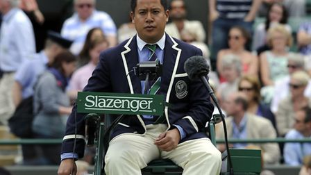 Umpire James Keothavong