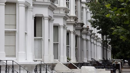 London home owners make an average of nearly £290,000 when they downsize from detached to semi-detac