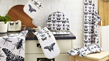 Pot Mitt, Tea Cosy, Double Glove, Gauntlett, Coton Apron, all from the Ulster Weavers Butterfly Coll