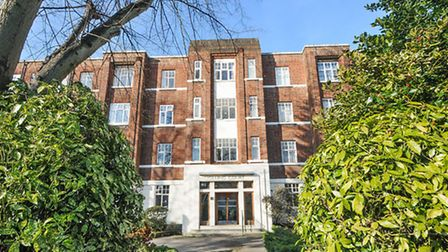 Gilling Court, Belsize Park, available through Hadleigh Residential for �320,000