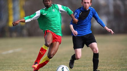 Action from Waltham Forest United (blue) vs London Meteors in the Jack Walpole Cup. Pic: Gavin Ellis