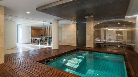 Swimming pool in the leisure complex