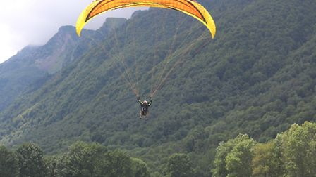 Paragliding in Loudenvielle