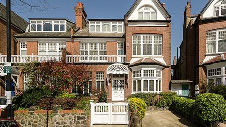 Princes Avenue, Muswell Hill, N10