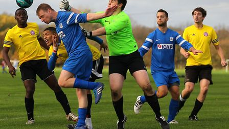Gladstone Wanderers (blue) beat Waltham Forest United 4-2 in the Dickie Davies Cup. Pic: Gavin Ellis