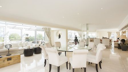 The vast, lateral reception room is ideal for parties of all sizes