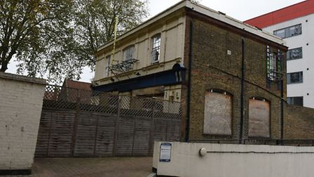 Calls have been made for work to continue on the former pub The Ship Aground on Lea Bridge Road to c
