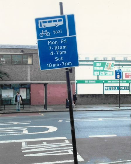 The Highgate Road sign facing the wrong way road, away from the road, in August 2014