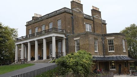 GV of Clissold House, in Clissold Park
