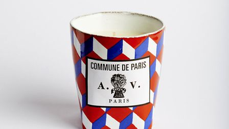 This Astier de Villatte candle has a pleasant unisex scent, great design and interesting historical