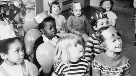 Puppet show at the Sandbrook Playgroup in WRVS hut, 1974 (Photo: Larraine Worpole)
