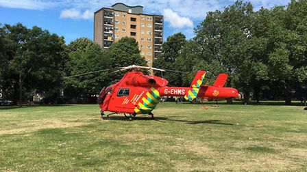 The air ambulance on London Fields. (Picture: @ciaba).