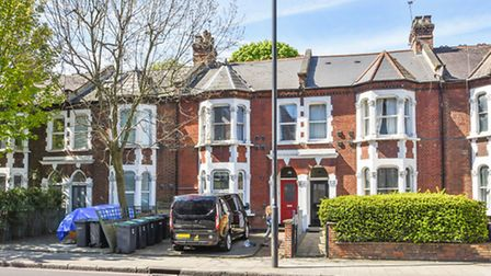 �600,000 will buy you this generous two bed on Archway Road