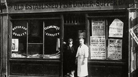 M. Johnson, fishmonger in Well Street, 1908. (Picture: Hackney Archives).