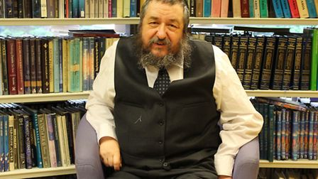 Tzvi Rabin also spoke to the girls. (Picture: Hackney Council).