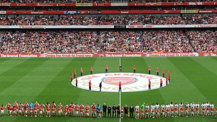 Arsenal Legends and Milan Glorie line up before the Arsenal Foundation Charity match. (Photo by Dav