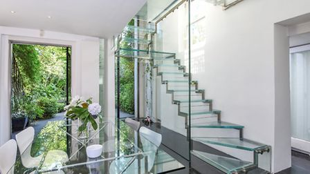 Vale of Health, Hampstead, NW3, �3,300,000, Anscombe & Ringland, 020 7794 1151