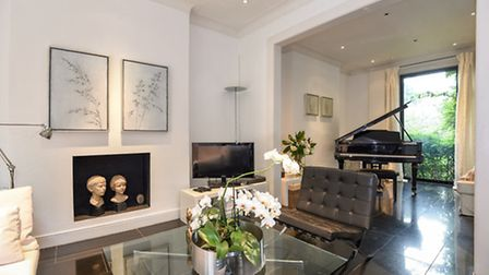 Vale of Health, Hampstead, NW3, £3,300,000, Anscombe & Ringland, 020 7794 1151