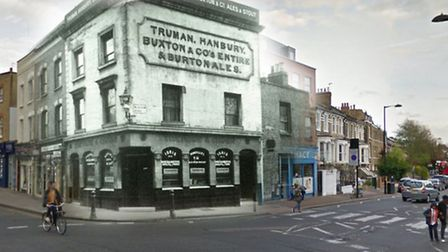 The Rose & Crown at its original location in Stoke Newington Church Street before it was rebuilt in