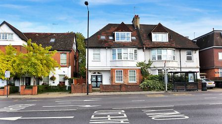 Finchley Road, West Hampstead, NW3, �525,000, Greene and Co, 020 7328 3232