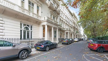 20 Barness Court, 6-8 Westbourne Terrace W2, £795,000, Goldschmidt and Howland Hyde Park, 0207 100 6