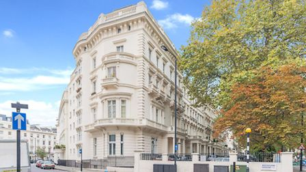 20 Barness Court, 6-8 Westbourne Terrace W2, �795,000, Goldschmidt and Howland Hyde Park, 0207 100 6