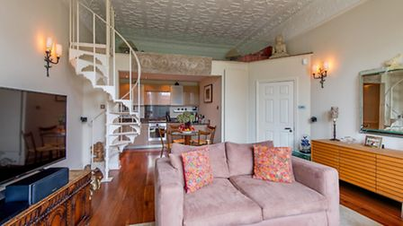Sutherland Avenue, Little Venice, W9, �1,550,000, Goldschmidt and Howland, 020 7289 6633