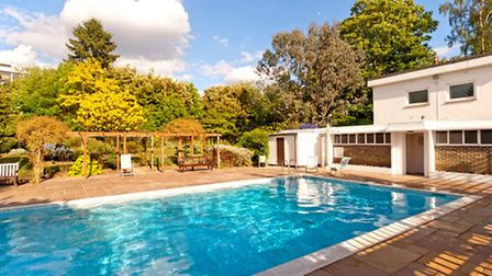 The swimming pool at Highpoint I has the feel of a 1930s poolside romance in the Hollywood hills