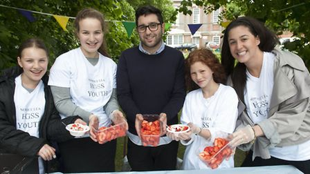 Norrice Lea Synagogue Youth team selling strawberries & cream HGS Residents Ass Summer Picnic in Cen
