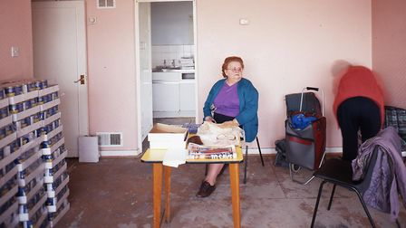 Tom Hunter's photo of Holly Street residents in 1998